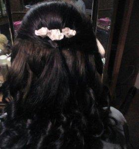 Плетение кос и вечерние причёски с завивкой