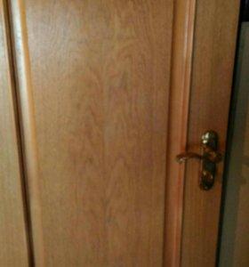 3 двери с коробками на ванну ,туалет и кухню