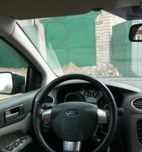 Ford Focus, 1.4 MT, седан