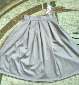 Новая юбка р.L. беж