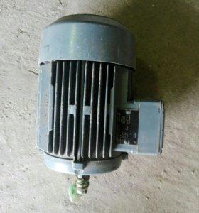 Двигатель 380/220В. 1,1 kW 1390 об/мин.