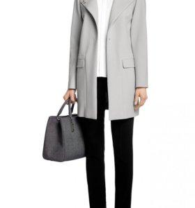 Пальто женское Hugo Boss Cleocle