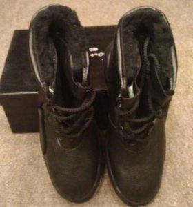 Ботинки зимние, сапоги.