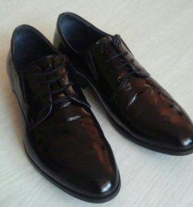 Туфли 39 р-р мужские (подростковые)