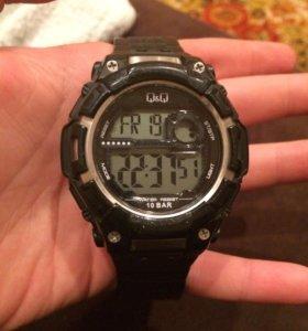 Часы QsQ