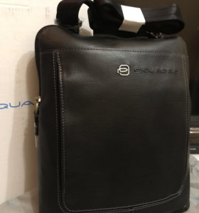 Кожаная сумка с плечевым ремнём Piquadro.