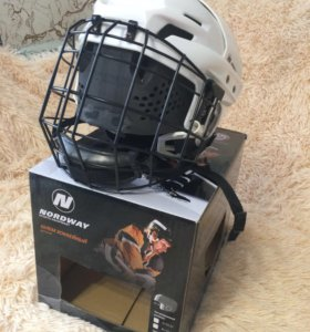 Шлем хоккейный(детский)р.s новый!