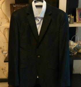 красивый мужской костюм + рубашка 46/183