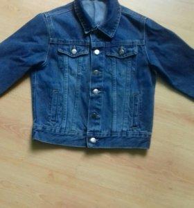 Продам детскую джинсовую куртку