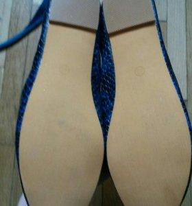 Синие новые балетки