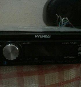 Магнитола Hyundai.