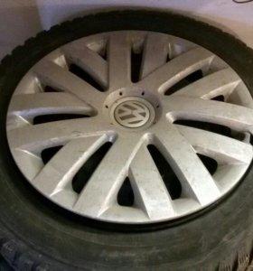 1 оригинальный колпак от VW