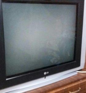 Продаются телевизоры цена 2000 за 1, рабочие .