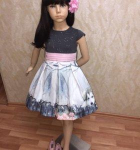 Новое платье от Laura Biagiotti 6-7 лет