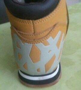 Ботинки зимние новые  оригинальные