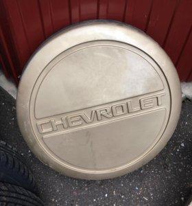 Пластиковый чехол на запасное колесо Шевроле Нива