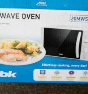 Микроволновая печь BBK 20MWS-713M