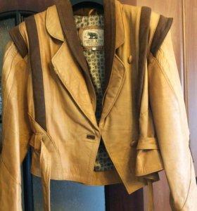 Кожаная итальянская куртка новая