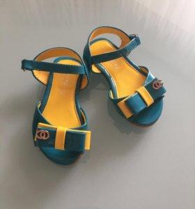Сандали туфли 22