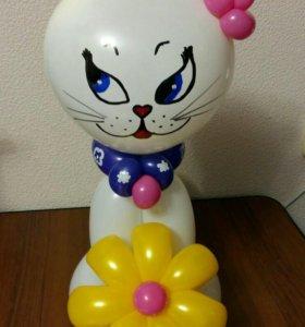 Кошечка из воздушных шаров