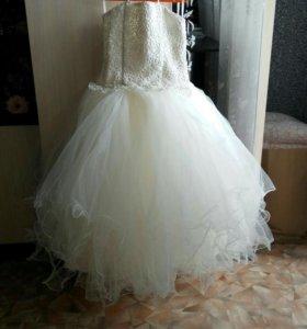 Платье на 6-7 лет