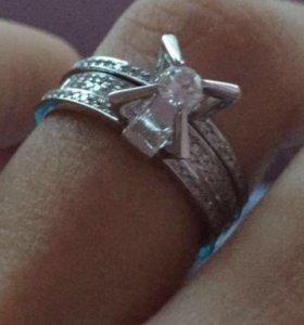 Кольцо с бриллиантовыми камнями