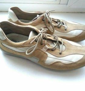 Новые кожаные ботинки 45 размер Италия