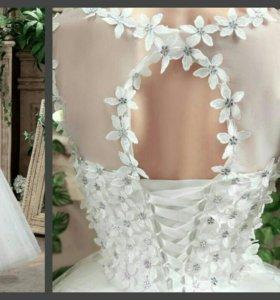 Новые оригинальное свадебное платье