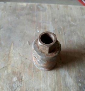 Ключ для снятие стоек на на ваз 2109
