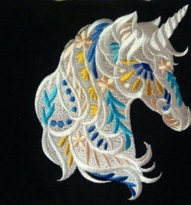 Декоративная подушка с вышивкой Единорог