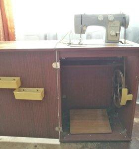 Швейная машинка «Чайка 142 М»