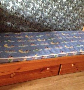 Одна кровать из массива дерева