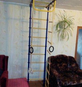 Шведская стенка. Кольца, канат, лестница.