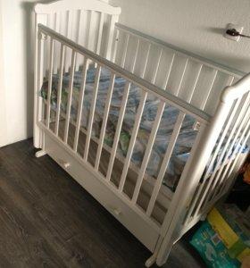 Детская кроватка+пеленальный комод