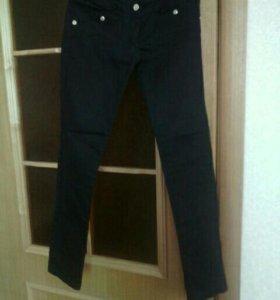 Узкие брюки