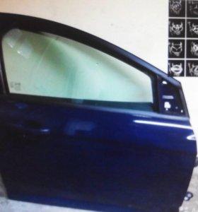 Дверь передняя правая Ford Focus