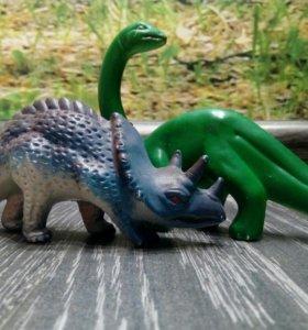 Динозавры пластиковые