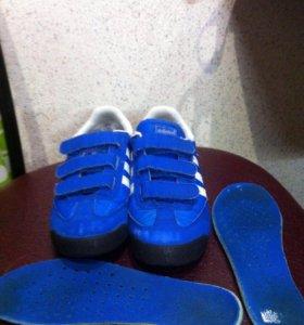 Кроссы Adidas р.33