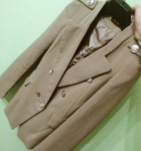 Пиджак бежевый новый (S-M)