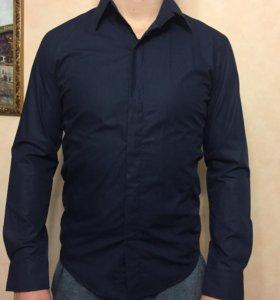 Новая Приталенная рубашка