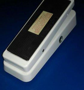 Педаль эффектов Dunlop CryBaby Bass 105Q