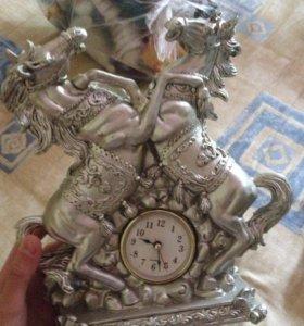 Продаю сувенир-часы