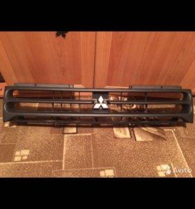 Решетка радиатора Mitsubishi RVR