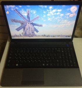 Ноутбук Samsung NP300E5C (Core i3)