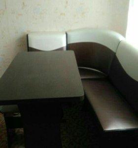 Кухонный стол и две кровати