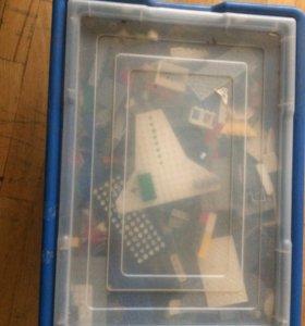 Коробка с игрушками Lego.СРОЧНО.самовывоз!