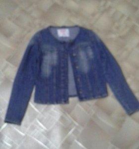 Продам куртку джинсовую