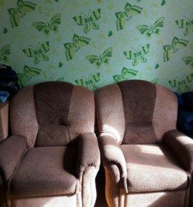 Продам 2 кресла. Цена за два