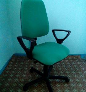 Офисное (компьютерное) кресло