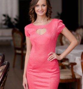 Новое платье размер L